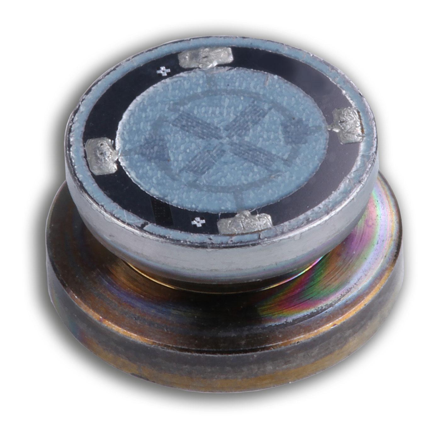 Töpfchen mit aufgeschweißtem Sensor in Dünnschichttechnologie